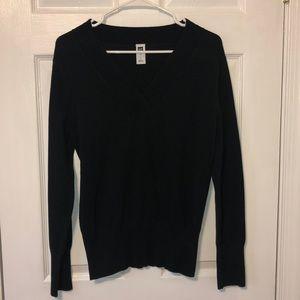 GAP black v neck sweater